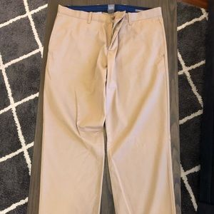 Men's Gap Khakis Straight Fit. Size 38x32